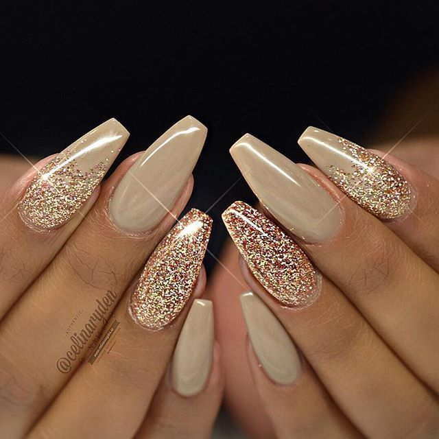 ad71530670e6dc3a8aa080755c577a5e--coffin-nails-glitter-gold-pretty-coffin-nails