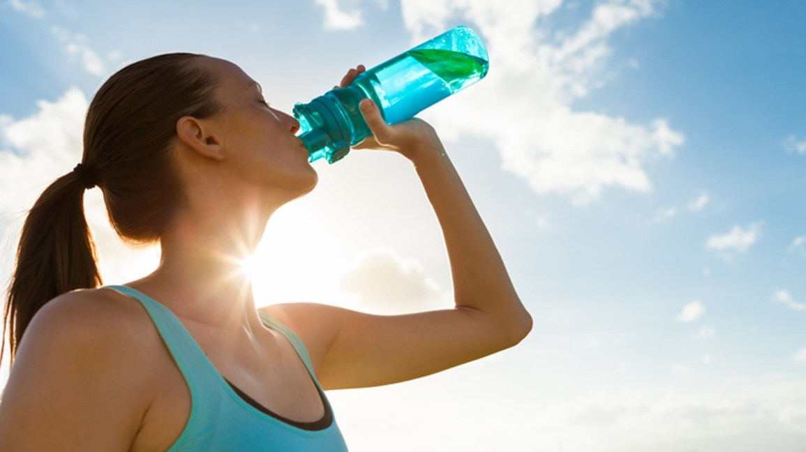how-much-water-should-you-drink-per-day-1296x728-feature.jpg